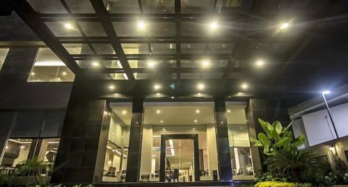 Hotel Diradja
