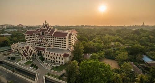 Rose Garden Hotel