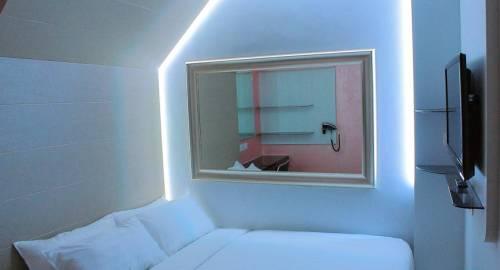 Fragrance Hotel - Viva