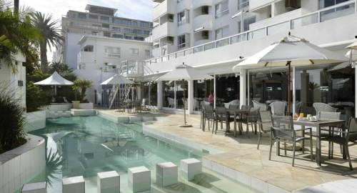 Peninsula All Suite Hotel