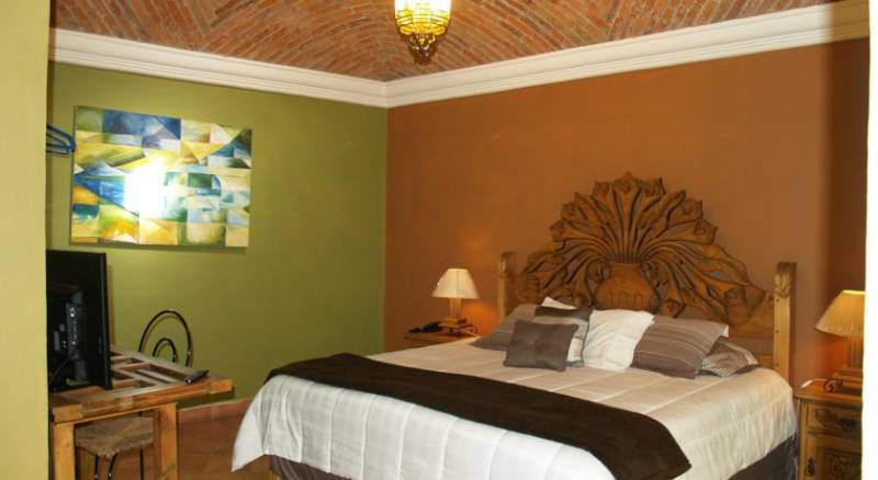 Hotel Ana Catalina and Suites
