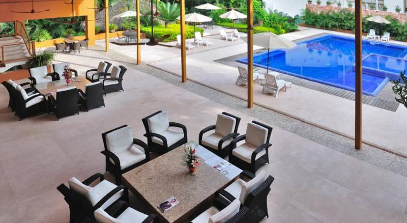 Hotel Ixzi Plus