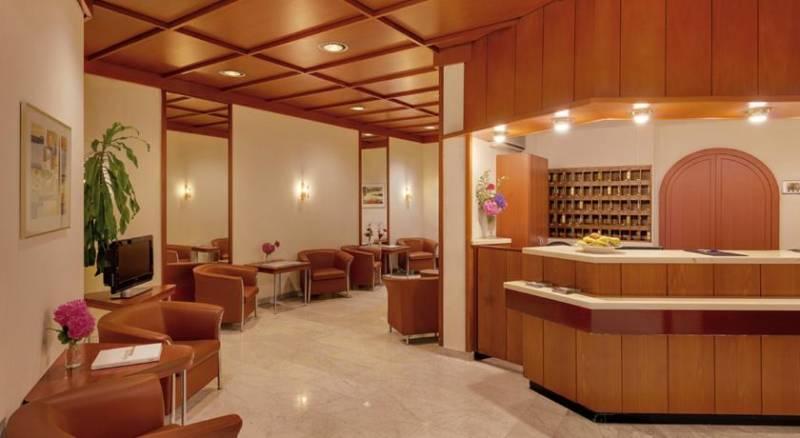 City-Hotel Superior