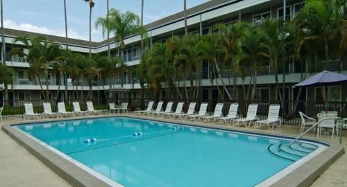 Lantern Inn & Suites - Sarasota