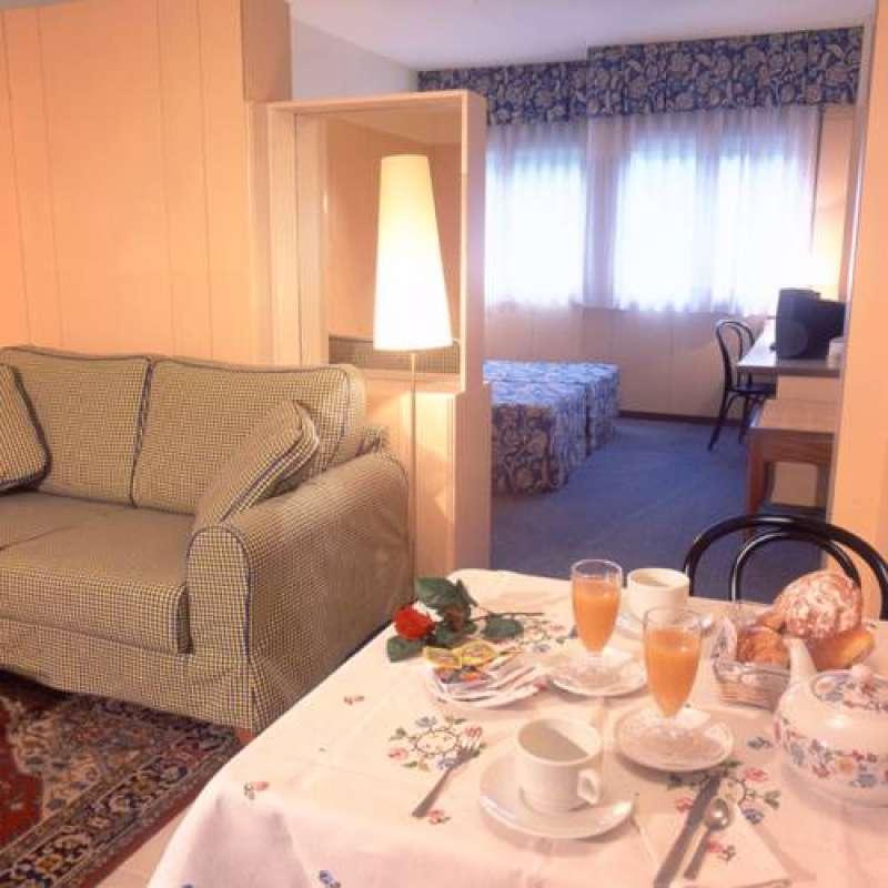 Bonanova Premium Suites Apartments