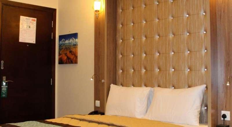NAIF VIEW HOTEL