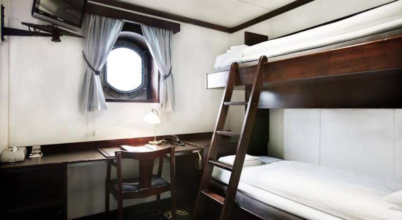 Mälardrottningen Yacht Hotel & Restaurant