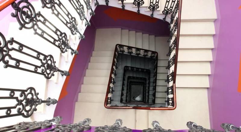 Purple Nest Hostel