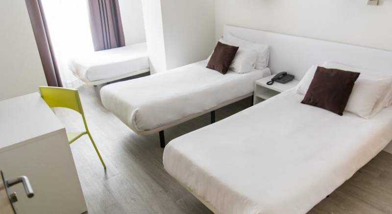 Sweet Hotel Continental