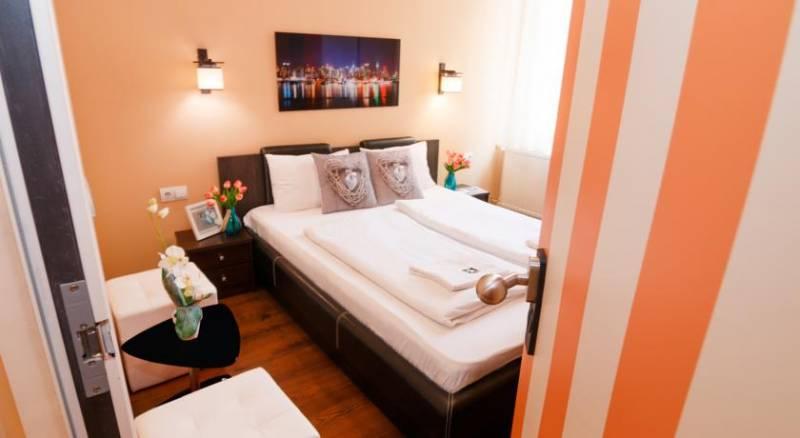 Full Moon Design Hostel Budapest