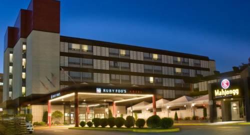 Hotel Ruby Foo's