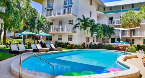 Coral Reef Luxury Suites Key Biscayne Miami