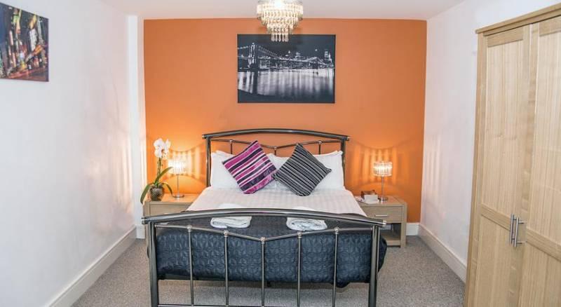 Base Serviced Apartments - Cumberland Apartments