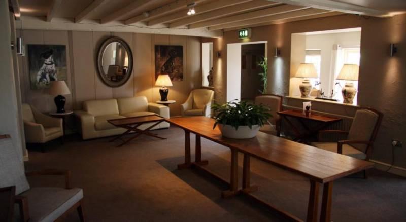 Best Western Plus Windmill Village Hotel