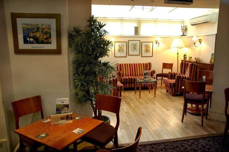 Chesters Hotel & Restaurant