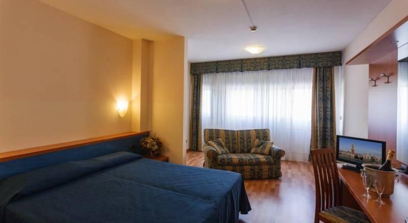 Hotel Airmotel