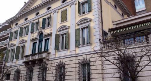 Ambassador Palace Hotel