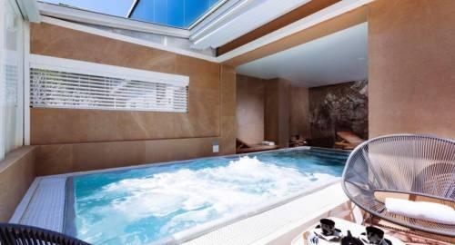 UNA Hotel One Spa & Wellness