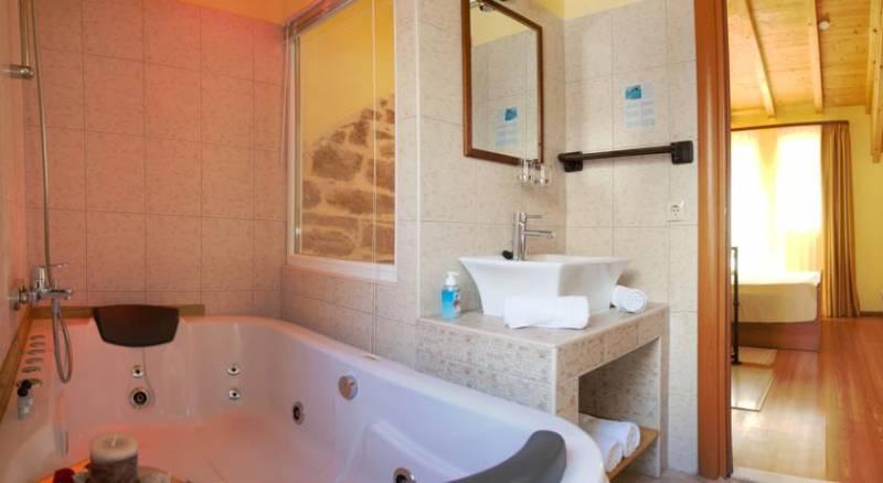 Authentic Luxury Rooms