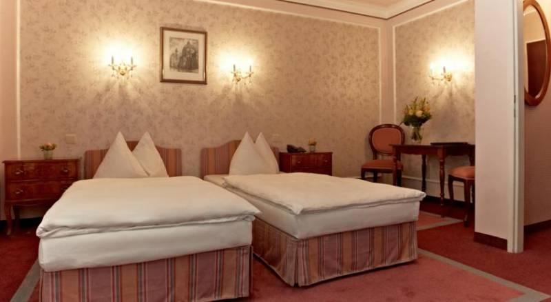 Hotel Savoy Garni