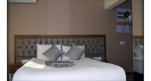 Grand Sera Hotel