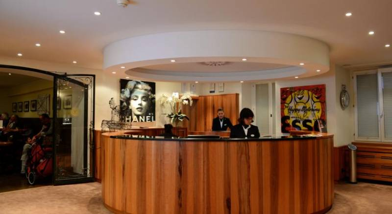 Hotel Monopol art boutique
