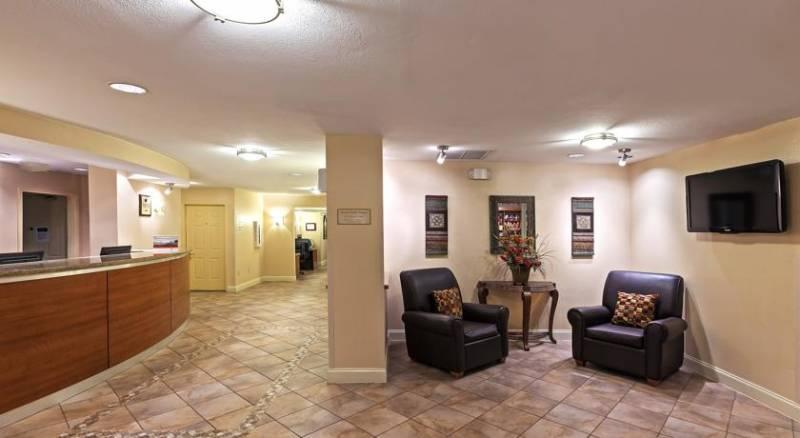 Candlewood Suites Dallas/Market Center