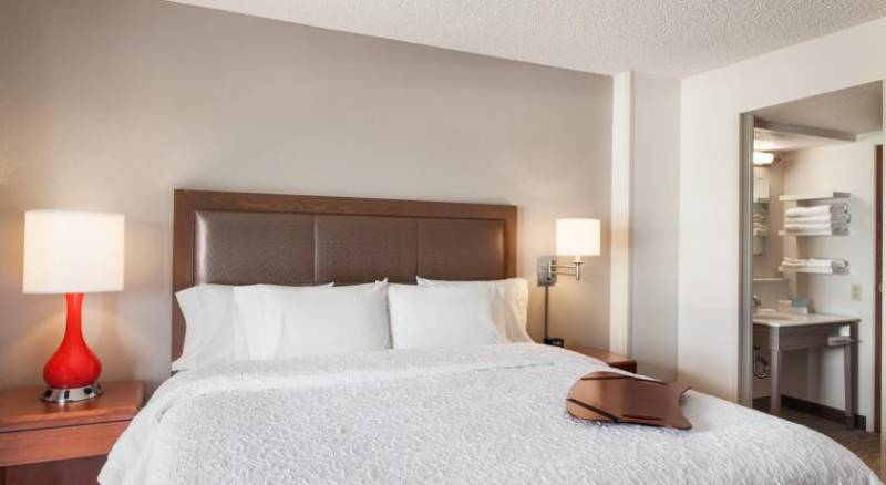 Hampton Inn & Suites Denver-Cherry Creek