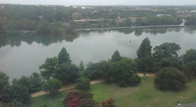 Holiday Inn Austin -Town Lake