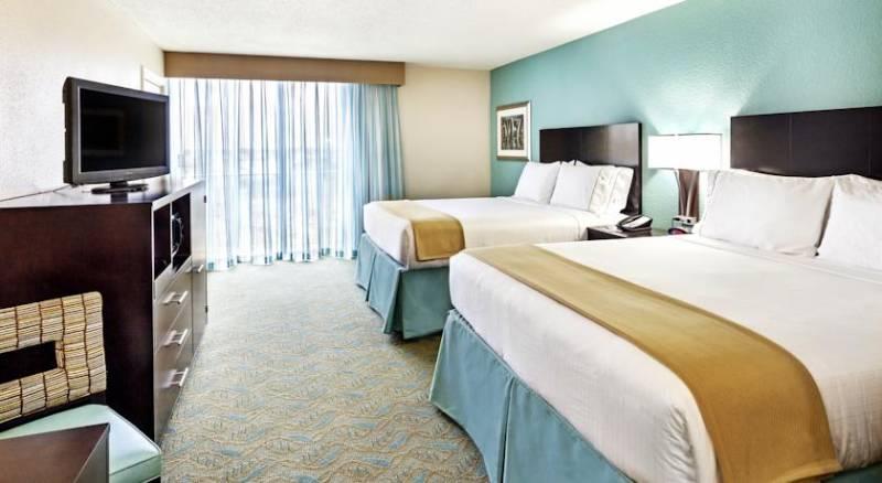 Holiday Inn Express Charleston Downtown – Ashley River