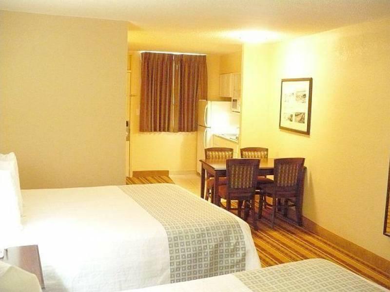 Lexington Inn and Suites