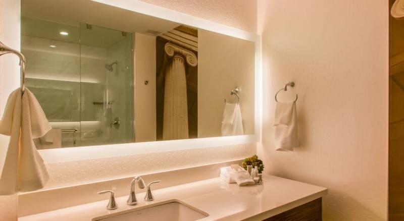 Renaissance Denver Downtown City Center Hotel, A Marriott Luxury & Lifestyle Hotel