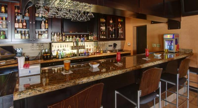 Clarion Inn & Suites At International Drive