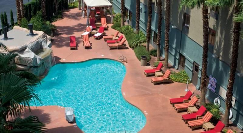 Hampton Inn Tropicana and Event Center