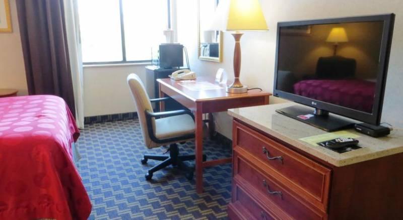 Ramada Jacksonville/Baymeadows Hotel & Conference Center