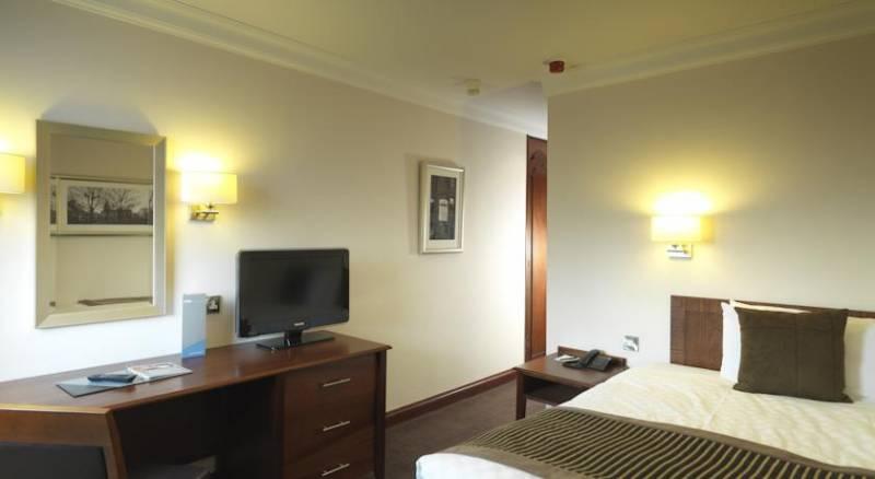 The Royal Angus Hotel