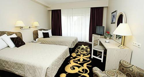 BEST WESTERN Airport Hotel Mara
