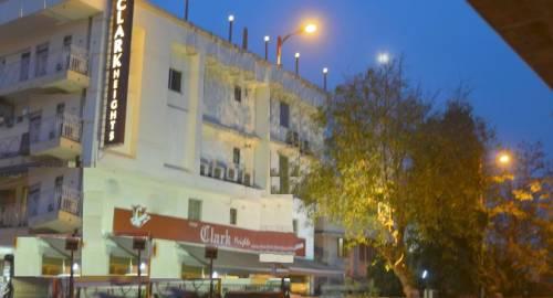 Hotel Clark Heights