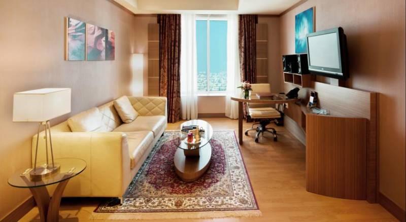 Emirates Grand Hotel