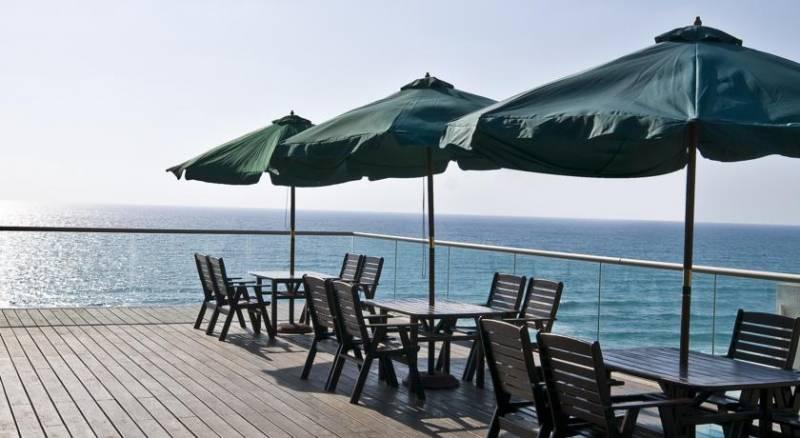 Leonardo Suite By the Beach