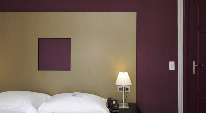 Lady's First Design Hotel
