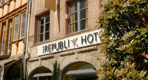 Republik Hotel