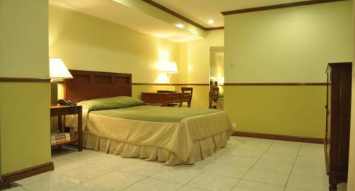 Garden Plaza Hotel and Suites