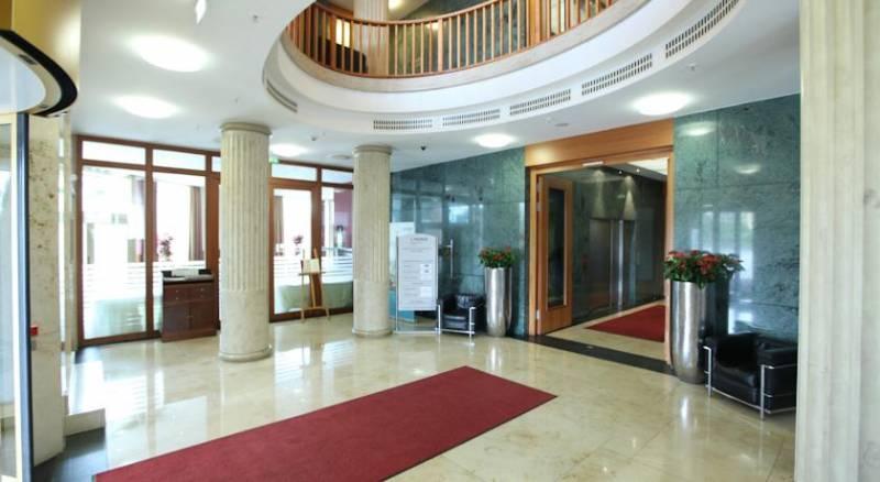 Lindner Hotel & Residence Main Plaza