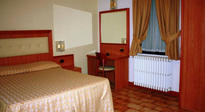 Piccolo Hotel