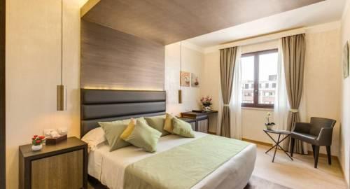 Eur Suite Hotel