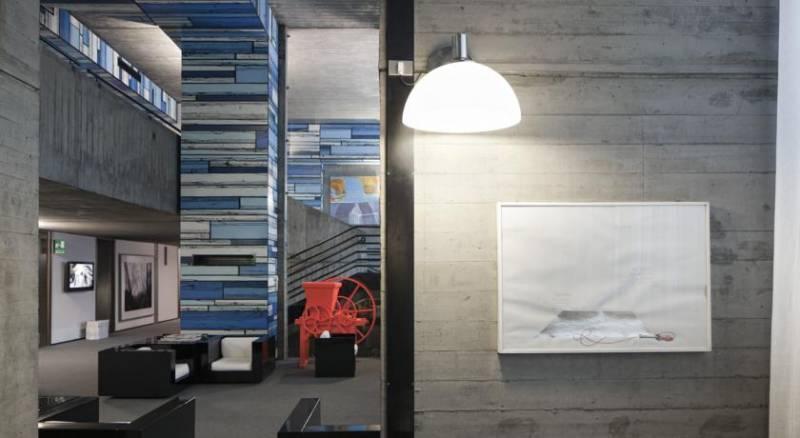 Duparc Contemporary Suites