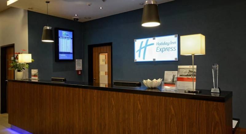 Holiday Inn Express Warsaw Airport