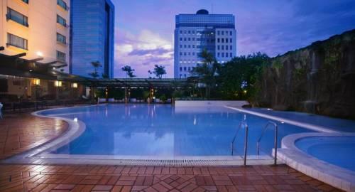 Menara Peninsula Hotel