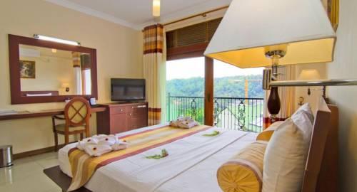 Serene Grand Hotel